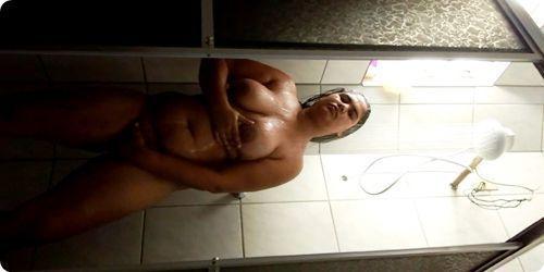 Dona de casa gordinha gostosa em vídeo amador
