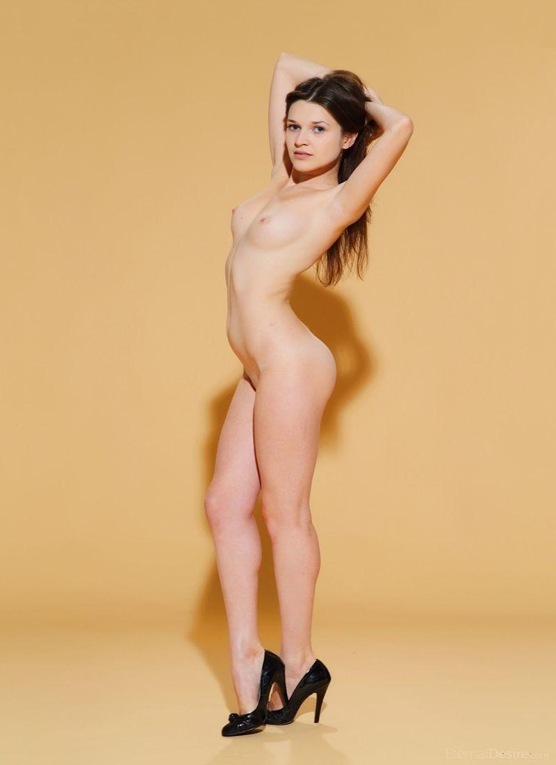 Serena Wood 10