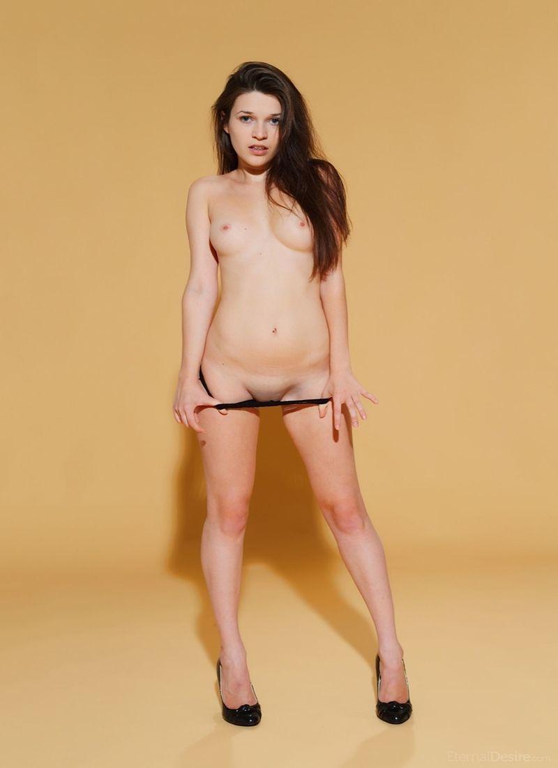 Serena Wood 5