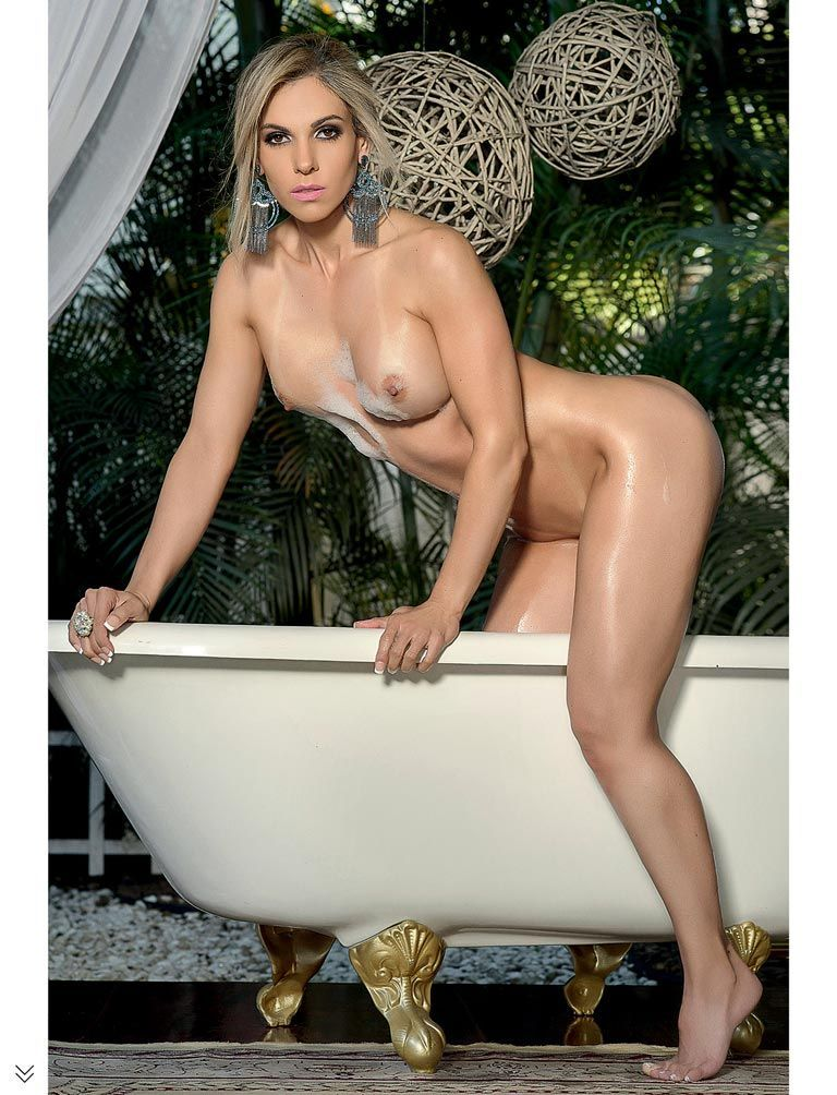 revista-sexy-fernanda-martinelli-pelada-26