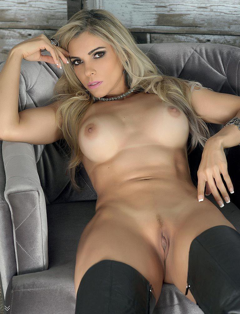 revista-sexy-fernanda-martinelli-pelada-6