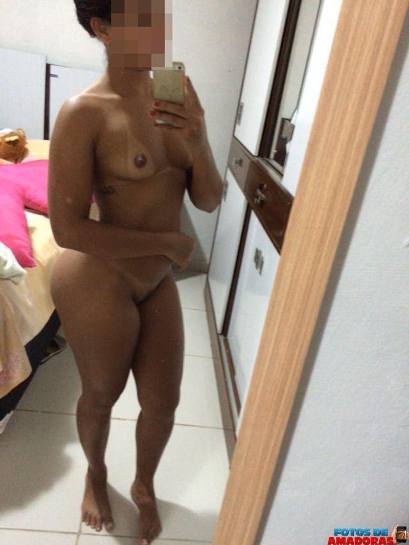 pernambucana tesuda pelada no espelho