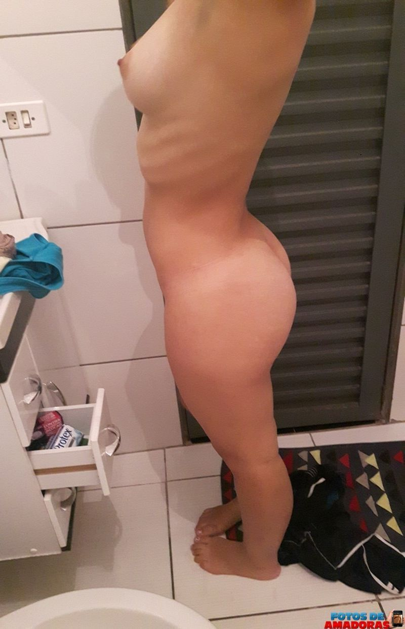 Nude sexy girls without any clothes