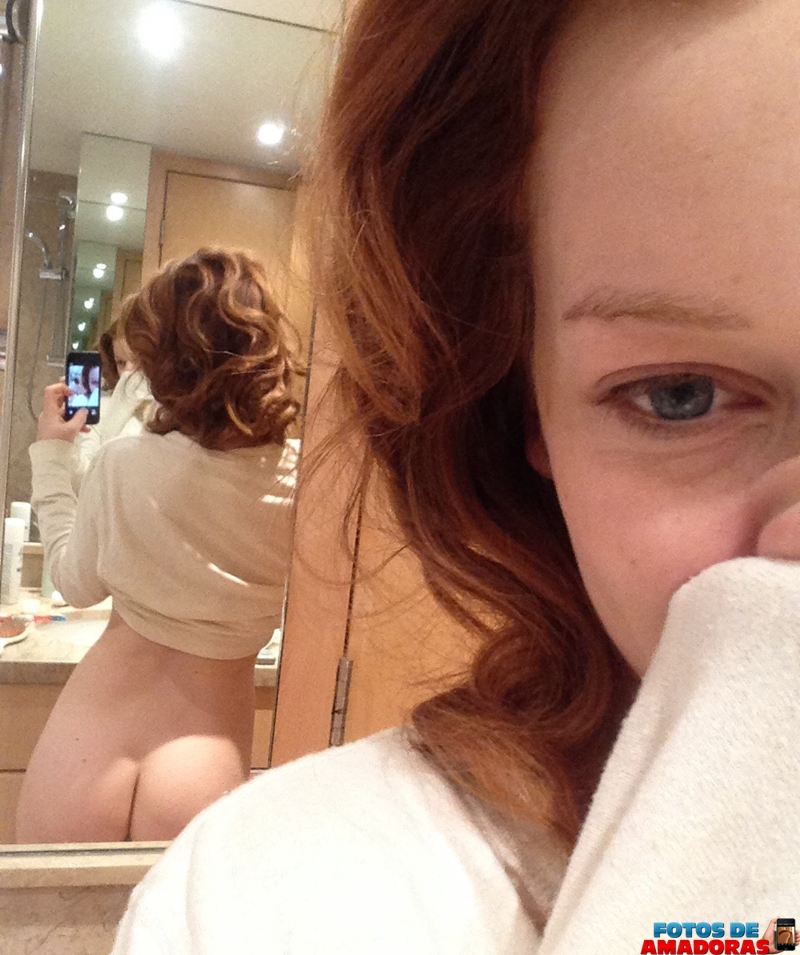 Jane Levy nua 7