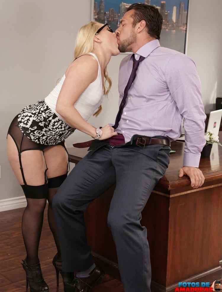 secretária gostosa 2
