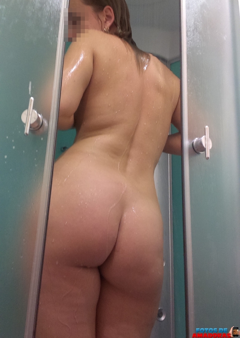 Anelise Pelada videos e fotos de mulheres nuas tomando banho gostoso