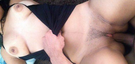 Sexo sem camisinha em fotos amadoras com namorada