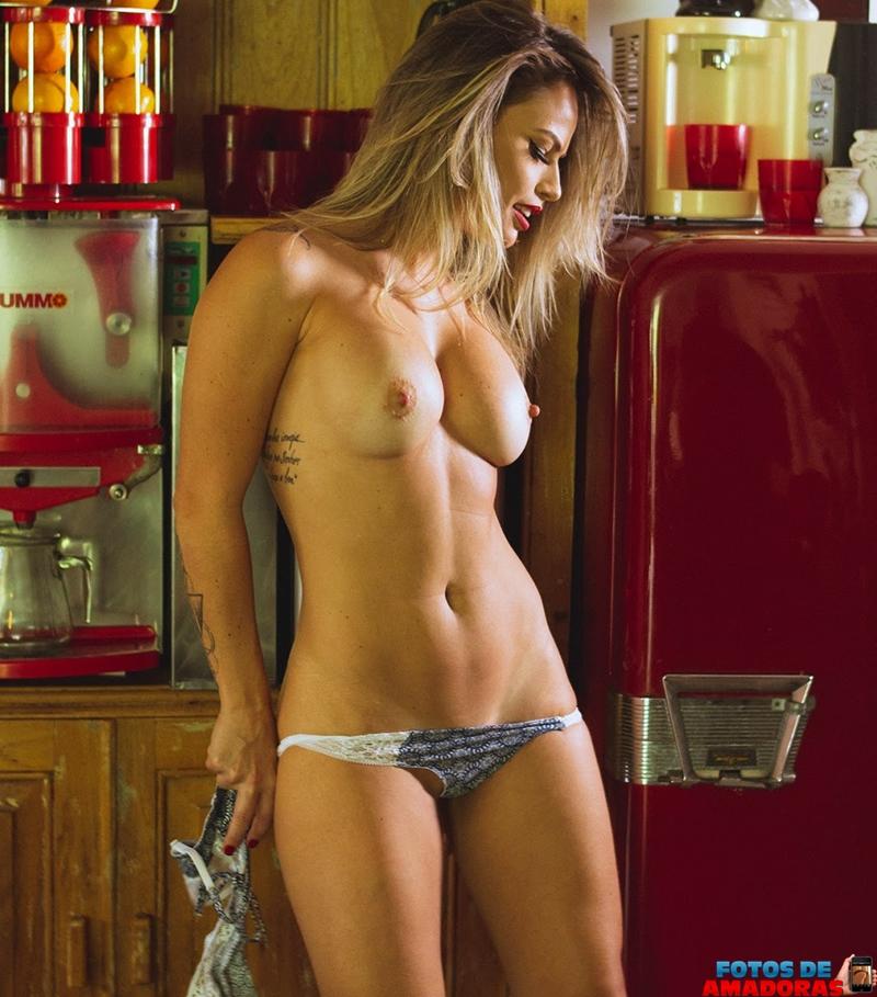 Natalia Casassola pelada 16