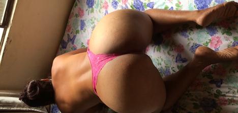 Fotos morena rabuda de calcinha antes do sexo amador